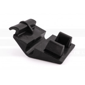 Cowling Retainer Clip – Renault: 7703079662